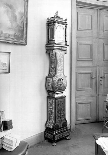 Pendule régulateur style Boulle d'époque Louis XIV, ensemble
