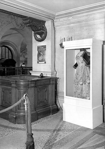Costume d'Adelina Patti pour Rosine du Barbier de Séville de Rossini