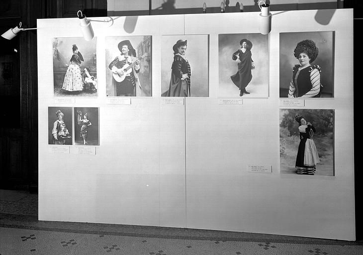 G. Rossini : Le Barbier de Séville (cat. 114, 115, 116, 117), Guillaume Tell (cat. 118, 119); en bas à gauche, Ch. Lecocq : La Camargo (cat. 48), J. Strauss : La Tzigane (cat. 124)