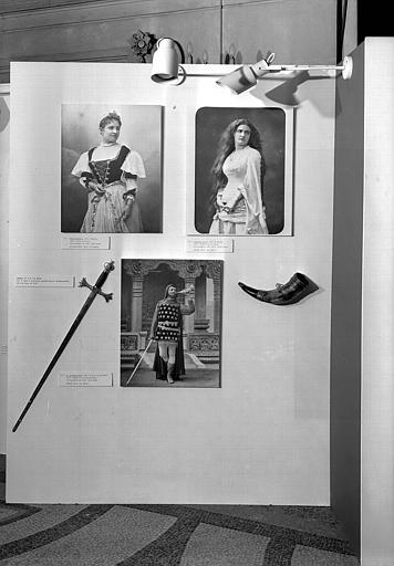 Exposition : L'atelier Nadar et l'art lyrique, 20 novembre 1975, C. M. Von Weber : Der Freischütz (cat. 153), Obéron (cat. 154, 155)