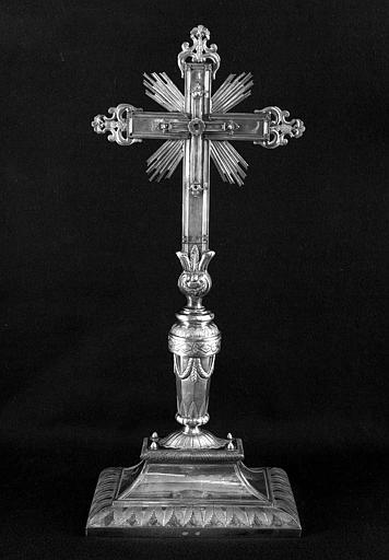 Croix d'autel en argent (avers)