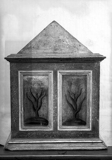 Châsse en bois peint, côté gauche