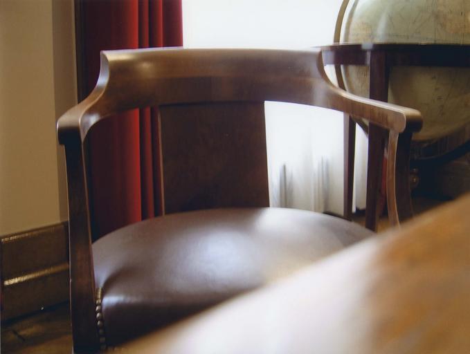 Fauteuil dit du Général de Gaulle dans le bureau du Général