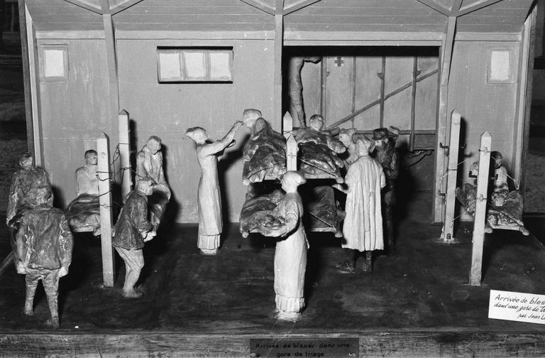 Maquette : Arrivée de blessés dans une gare de triage