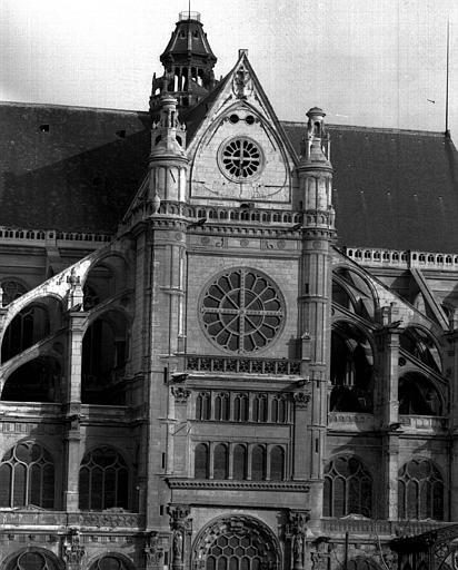 Façade sud, extrémité du transept