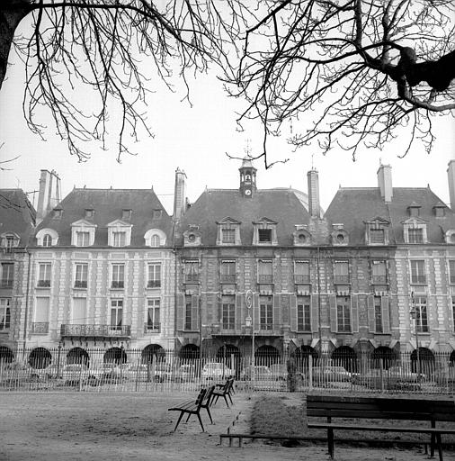Hôtel de Ribault ou de Langres (ancien) (voir aussi : Synagogue, 21 rue des Tournelles)