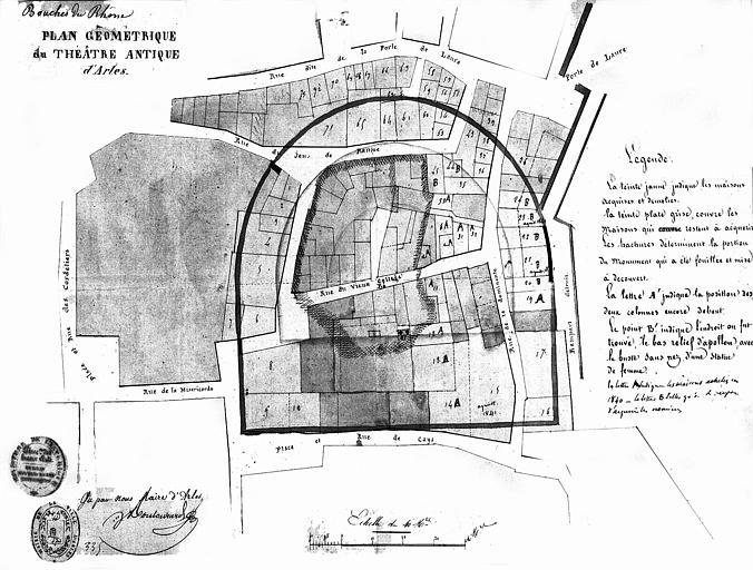 Plan du théâtre et de ses abords, indiquant par des numéros les maisons qui restent à acquérir