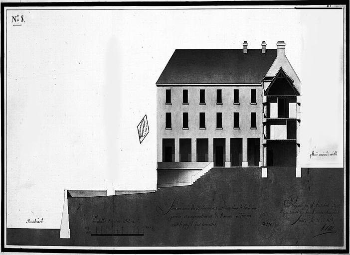 Dessin aquarellé : Face nord du bâtiment à construire sur le bord du jardin et coupe trasversale de l'ancien bâtiment avec le profil des terrasses, planche n° 8