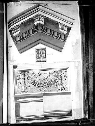 Dessin : Détails ornementaux du portique