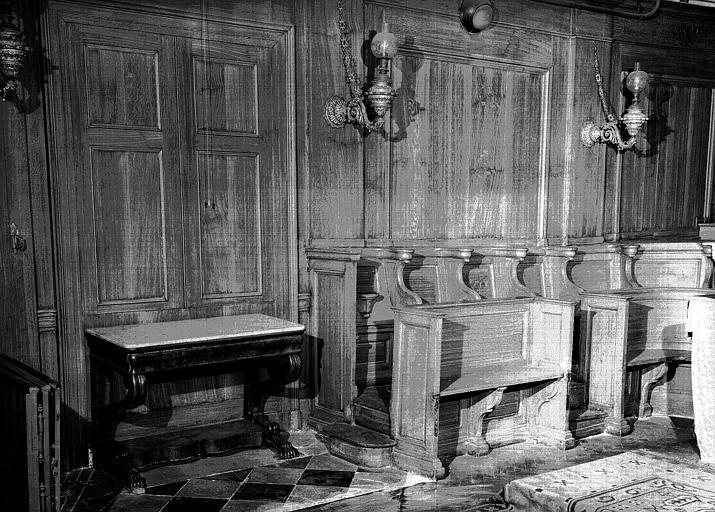 Stalles et console à dessus de marbre (époque Louis-Philippe)