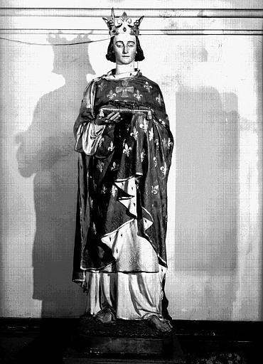 Statue de la chapelle en plâtre polychrome : Saint Louis portant la couronne d'épines, avec le cachet 'la Statue Religieuse, Paris'