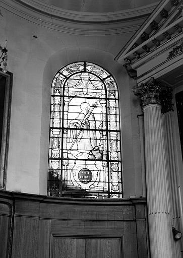 Saint Antoine, fenêtre gauche du choeur de la chapelle, panneau de vitrail