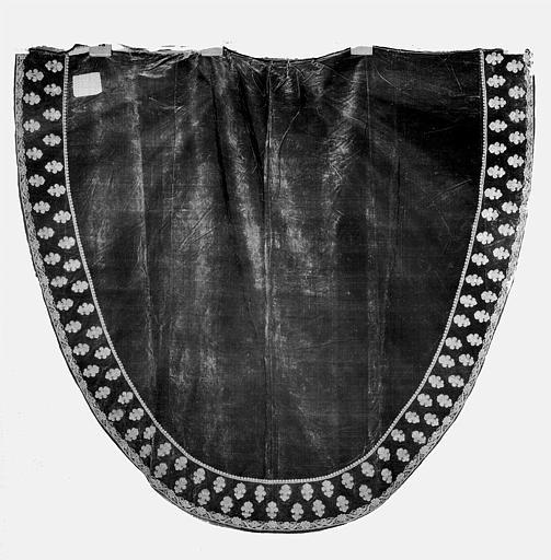 Manteau funèbre de la pompe du Duc de Berry en velours et fil d'or