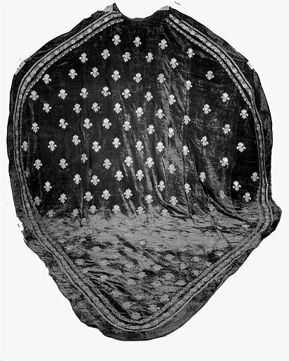 Manteau funèbre de Louis XVI en velours et fil d'or