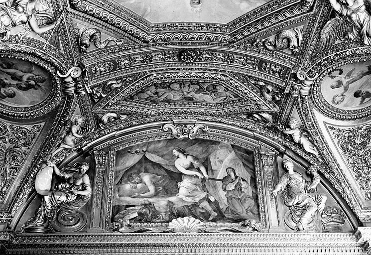 Appartements d'Anne d'Autriche, plafond peint de la salle des Antonins (ancienne chambre) : Judith et Holopherne (lunette)
