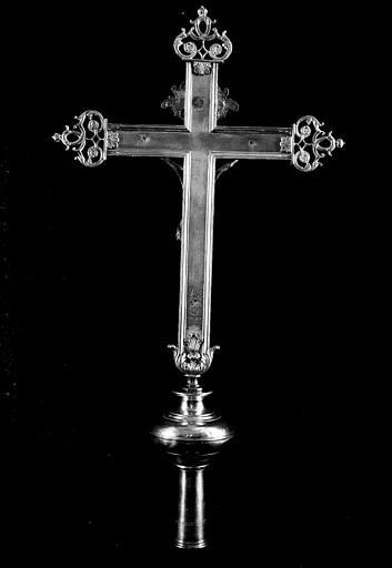 Croix reliquaire en argent avec Christ en cuivre (revers), don de Claude Gotrot