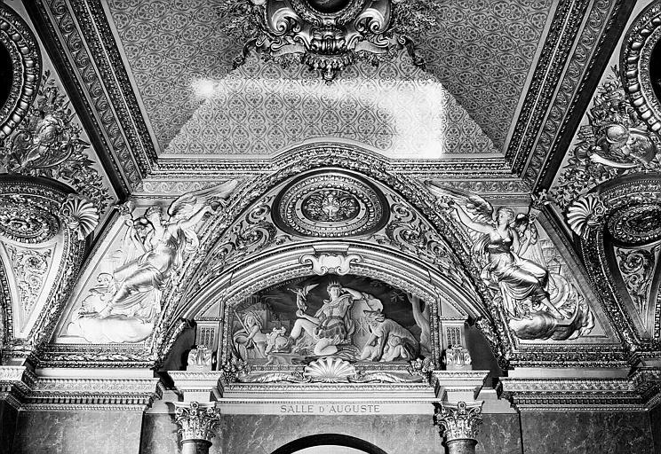 Décor de la Salle d'Auguste, lunette côté ouest : L'Empire romain