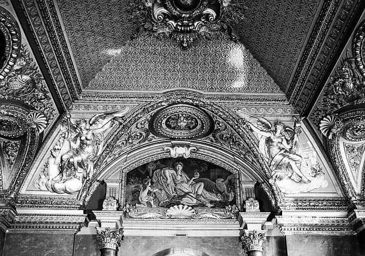 Décor de la Salle d'Auguste, lunette côté est : L'Empire français