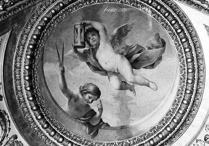 Appartements d'Anne d'Autriche, plafond peint de la Salle des Antonins (ancienne chambre) : Les Génies du Temps (médaillon)