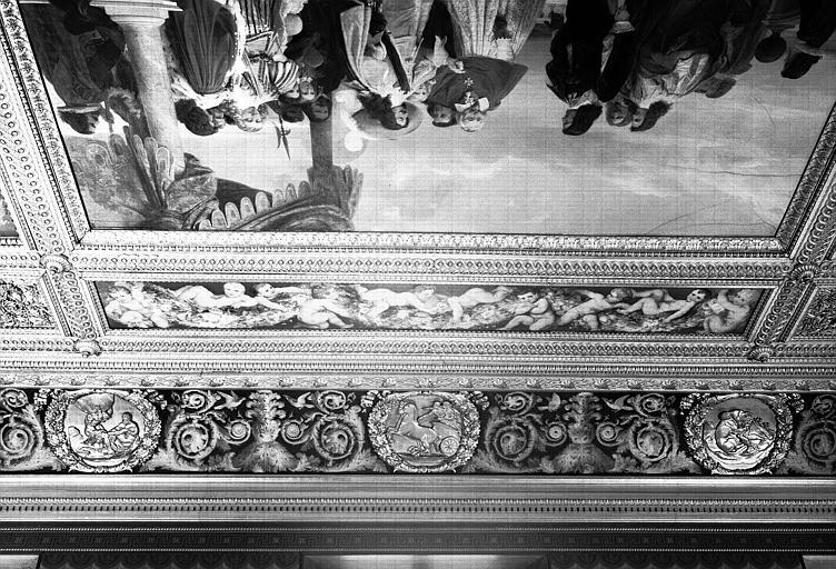 Galerie Campana, voussure sud de la 1e salle : Trois médaillons des Travaux d'Hercule