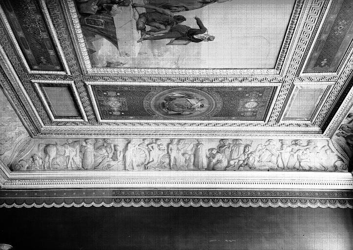 Galerie Campana, frise en bas-relief de la voussure est de la 9e salle : Le Pardon aux révoltés du Caire