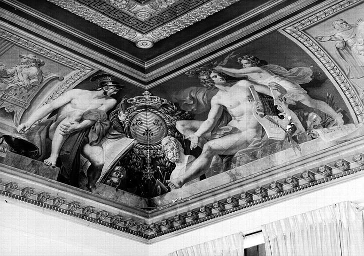 Salle Camondo, voussure à l'angle nord-est : Apollon et la Constance (Mucius Scevola)