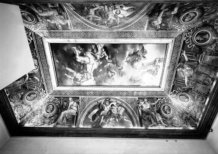 Salle Duchatel, vue d'ensemble du plafond peint et des voussures vers l'ouest