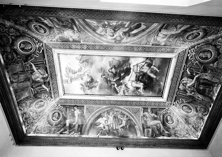 Salle Duchatel, vue d'ensemble du plafond peint et des voussures vers l'est