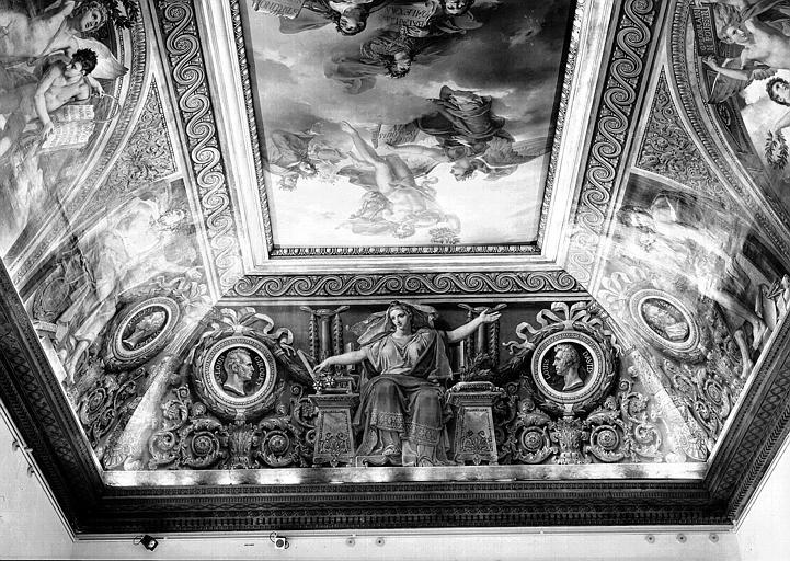 Salle Duchatel, voussure nord : Allégorie des Arts et médaillons de A. Louis Girodet et Louis David
