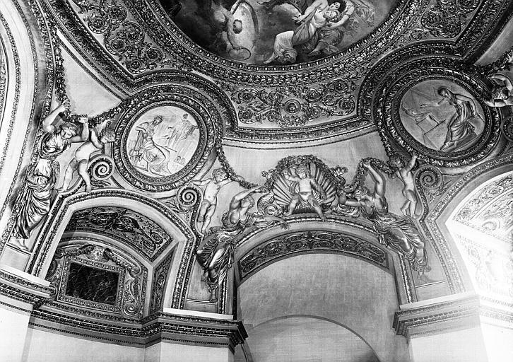 Rotonde, médaillons en stucs du plafond (côté ouest) : L'Art Grec, L'Art Egyptien