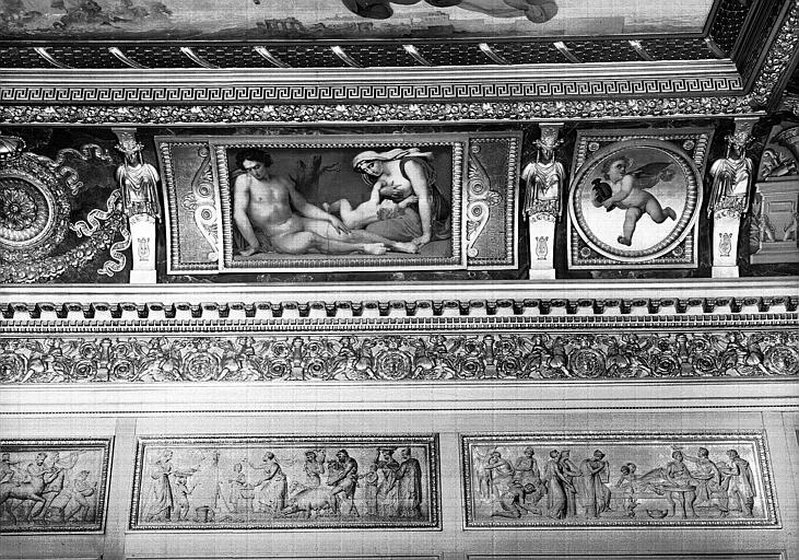 Galerie Charles X, voussure sud de la 8e salle (partie droite) : Scène de désolation (Grisailles)