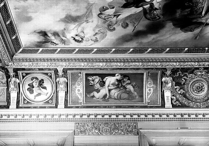Galerie Charles X, voussure nord de la 8e salle (partie gauche) : Scène de désolation (Grisailles)