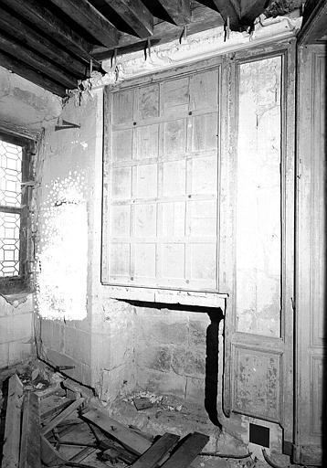 Chambre de la Reine : Panneau de cheminée du petit cabinet