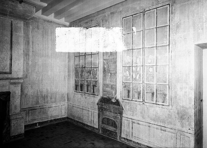 Cabinet peint en trompe-l'oeil au 2e étage