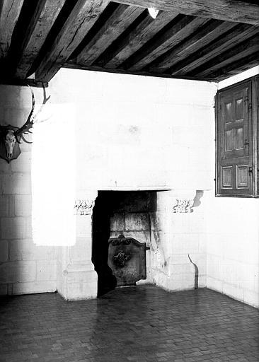 Cabinet de la tapisserie de Lillements au 2e étage : Cheminée