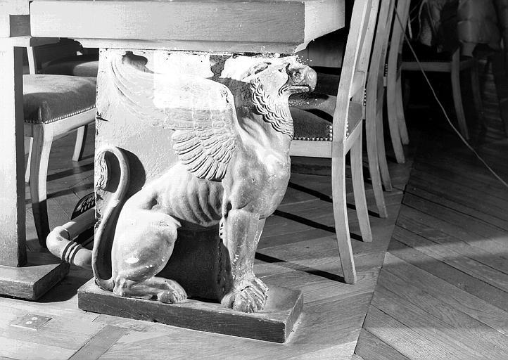 Pied de table en carton bouilli, d'époque Empire