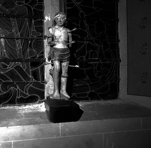 Statue en bois de saint Sébastien