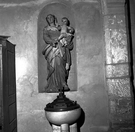 Statue en bois polychrome de la Vierge à l'Enfant