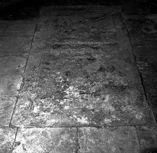 Pierre tombale de Gérard du Hautoy et de son épouse