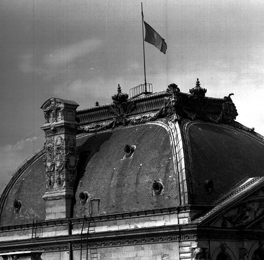 Dôme du Pavillon de l'horloge de la Cour carrée, angle sud-ouest