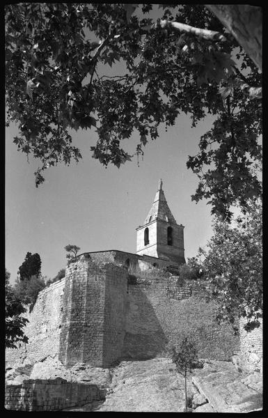 Partie est des remparts et clocher de Notre-Dame de la Major