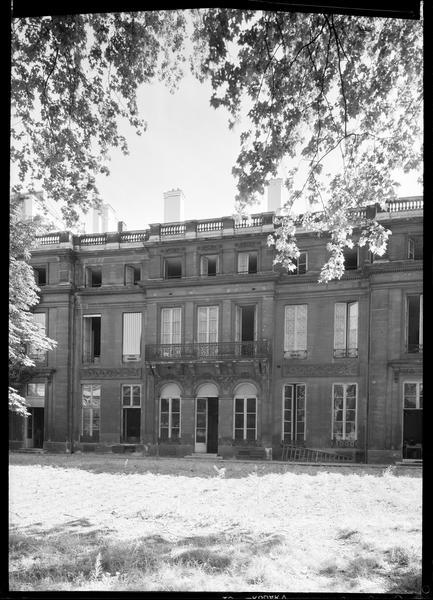 Ancien hôtel de Courteilles ou de Rochechouart, actuellement ministère de l'éducation nationale