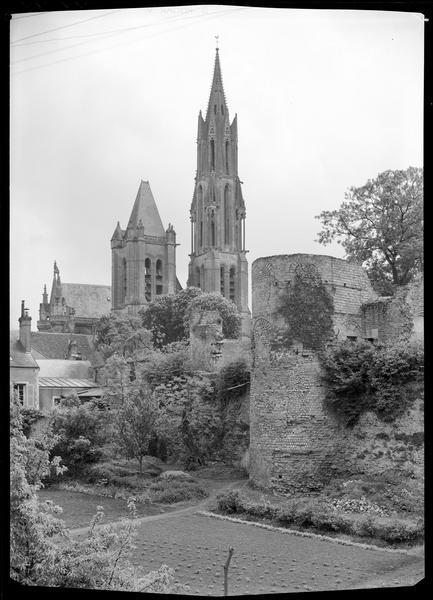 Cathédrale Notre-Dame Saint-Gervais-Saint-Protais