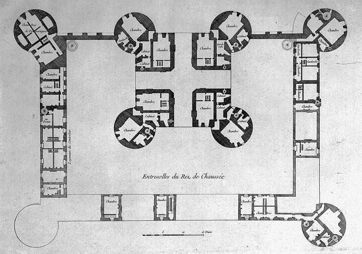 Gravure : Plan de l'entresol du rez-de-chaussée