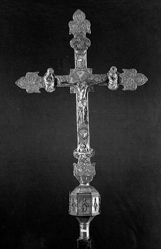 Croix processionnelle en argent sur âme de bois (avers)