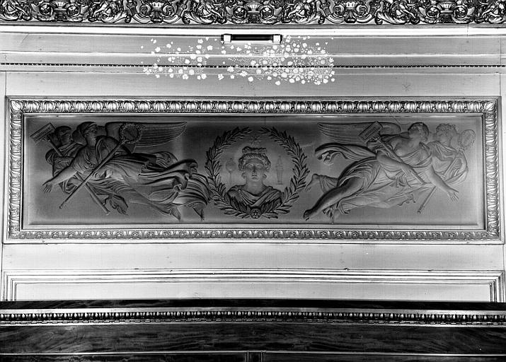 Galerie Charles X, voussure de la 1e salle : Panneau en grisaille