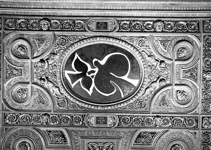 Salle Henri II, caisson est du plafond peint : Les Oiseaux
