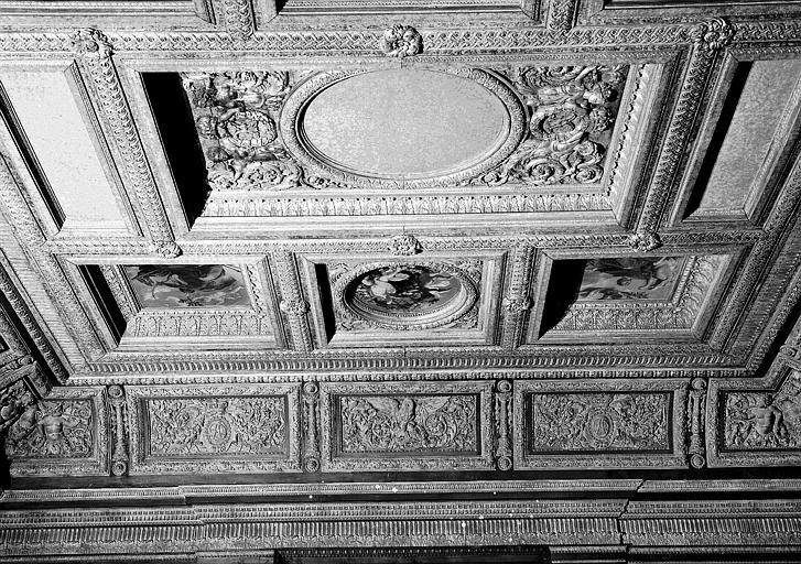 1e salle de la Colonnade : Vue d'ensemble de la moitié nord du plafond