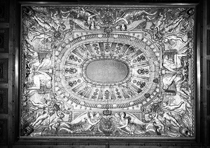 Salle des Sept-Cheminées (ancienne Chambre du Roi) : Plafond (ensemble remanié)