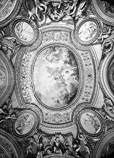 Rotonde de Mars, plafond peint et stucs restaurés